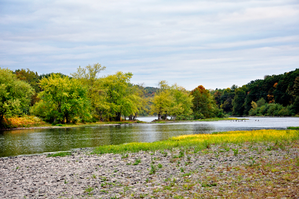 Autumn colors on the Delaware River