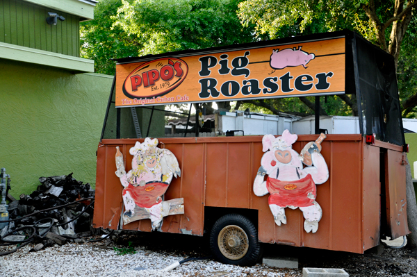 Pipo's Pig Roaster