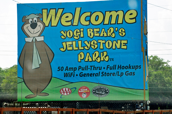 Jogi Bear's Jellystone Park welcome sign