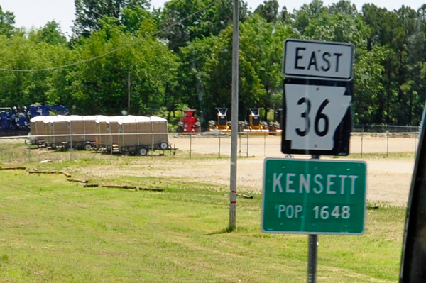 Kensett city limit sign